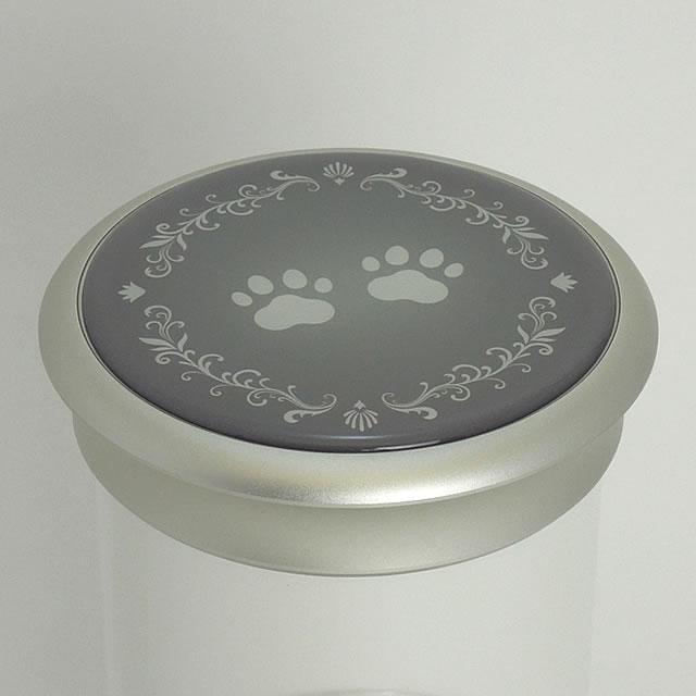犬や猫などの肉球模様に仕上げた骨壷(骨壺)
